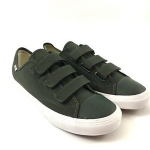 Vans Style 23 V Skate Shoes